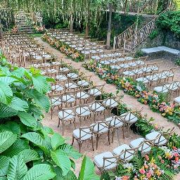 Hawaii Wedding Venue in Maui, Haiku Mill. Provides Destination Wedding venue packages.